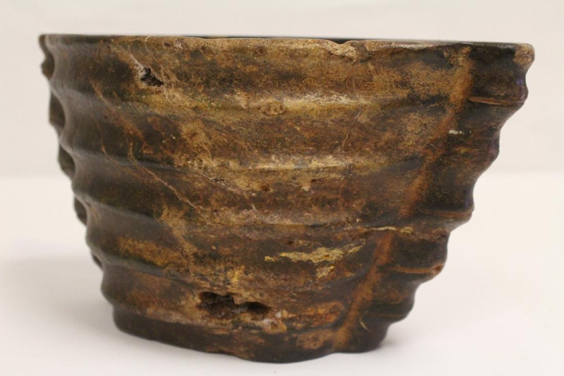 Unusual Chinese jade carved ritual vessel - 6