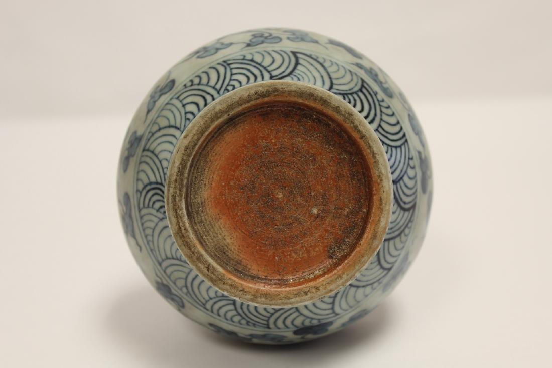Chinese blue and white porcelain vase - 8
