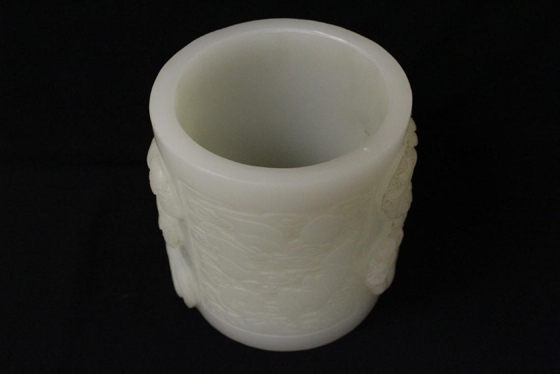 A magnificent large white Peking glass brush holder - 5