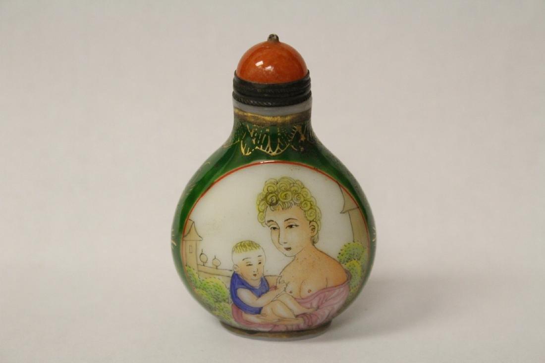 Chinese enamel on Peking glass snuff bottle