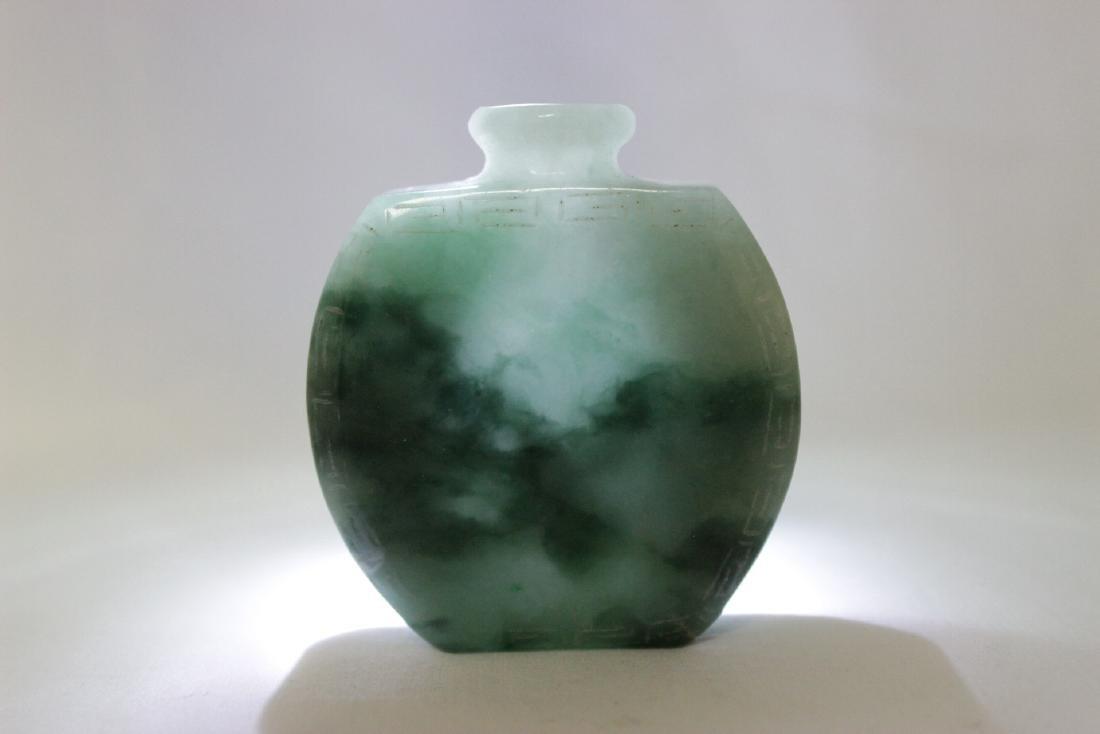 Chinese jadeite carved snuff bottle