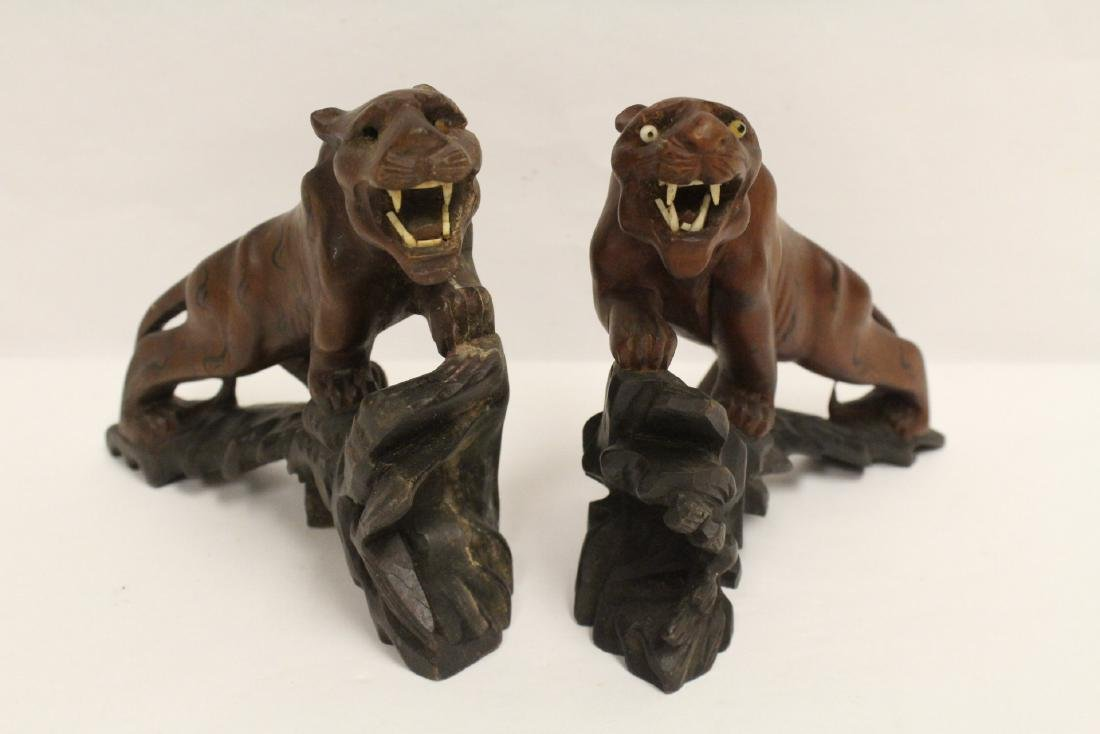 2 fine Chinese wood carved tigers - 2