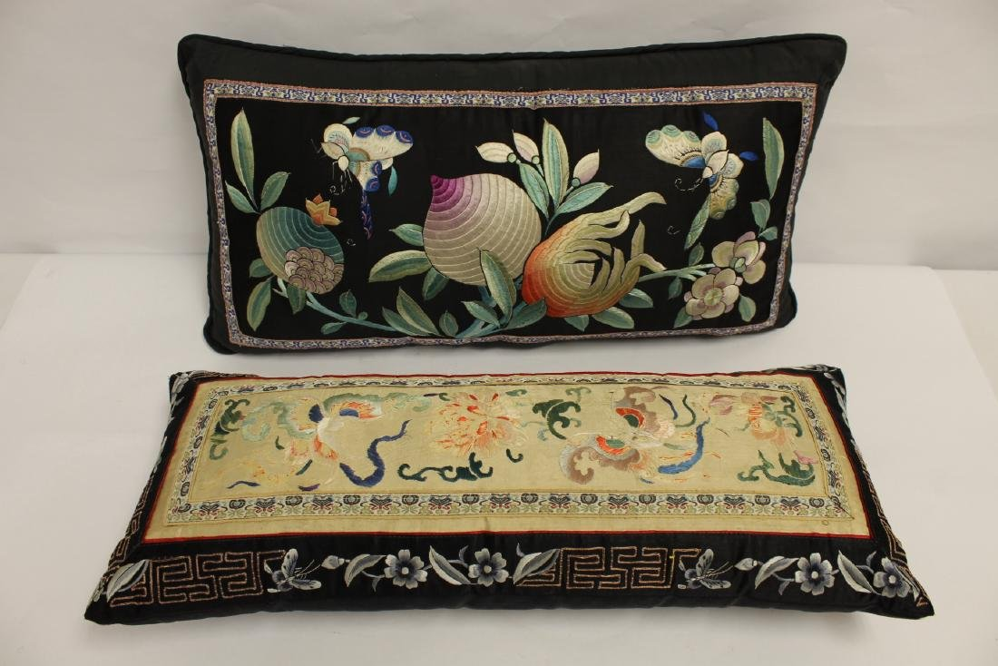 2 Chinese embroidery pillows