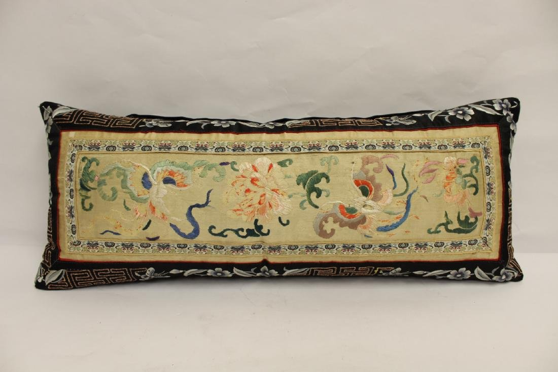 2 Chinese embroidery pillows - 2