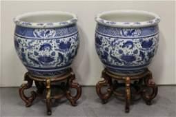 Pr Chinese 19th/20th c. massive porcelain planters