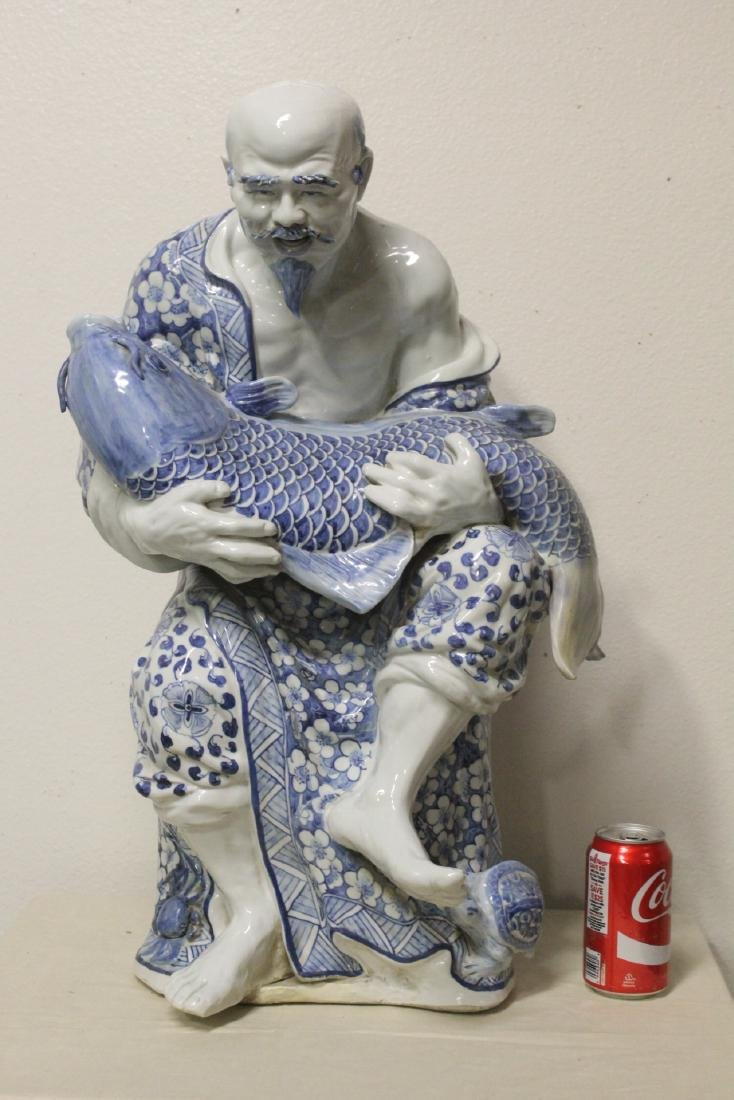 A lg Chinese 19th/20th c. b&w porcelain sculpture