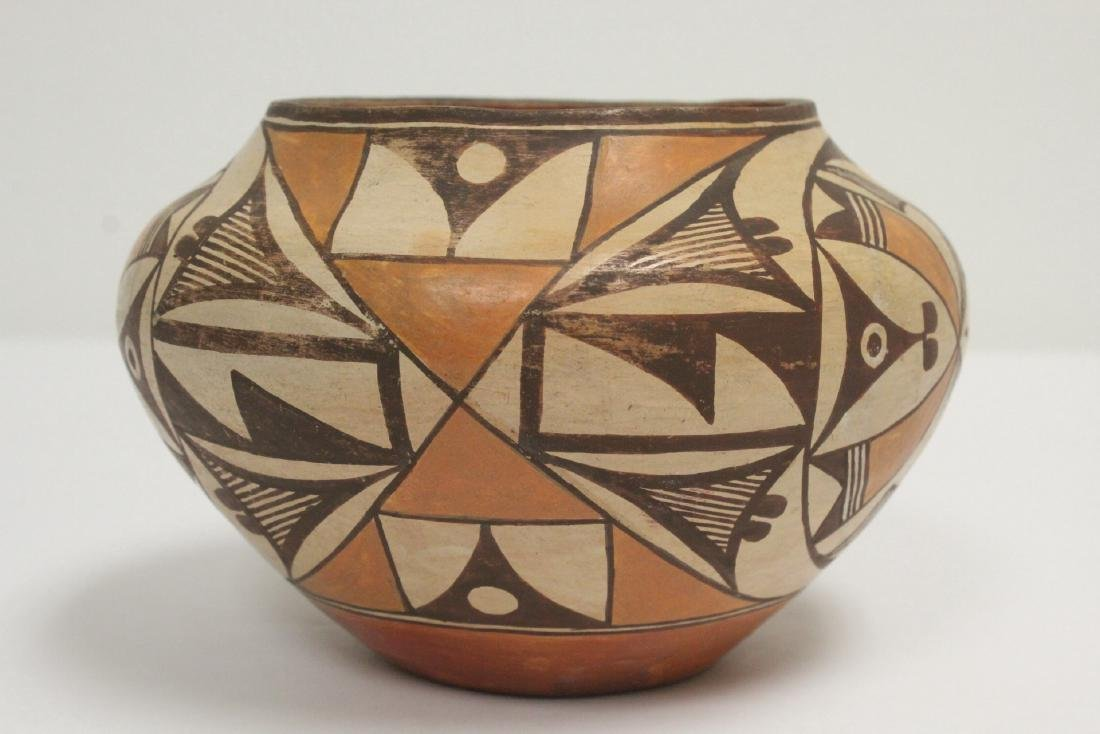 Antique American Acoma Indian pottery jar - 4