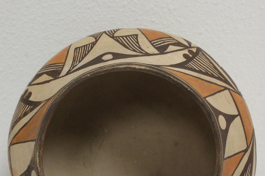 Antique American Acoma Indian pottery jar - 6