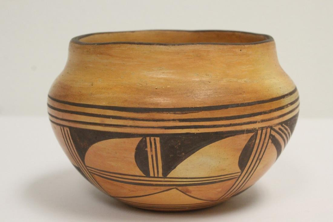 Antique American Indian pottery jar