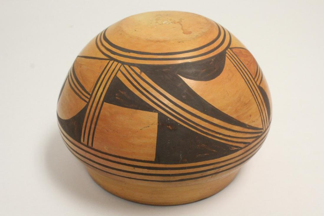 Antique American Indian pottery jar - 9