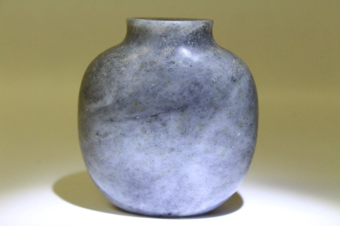 A well hollowed gray jade carved snuff bottle - 9