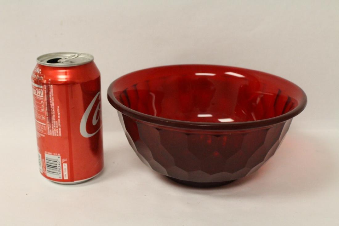 Chinese red Peking glass bowl - 9