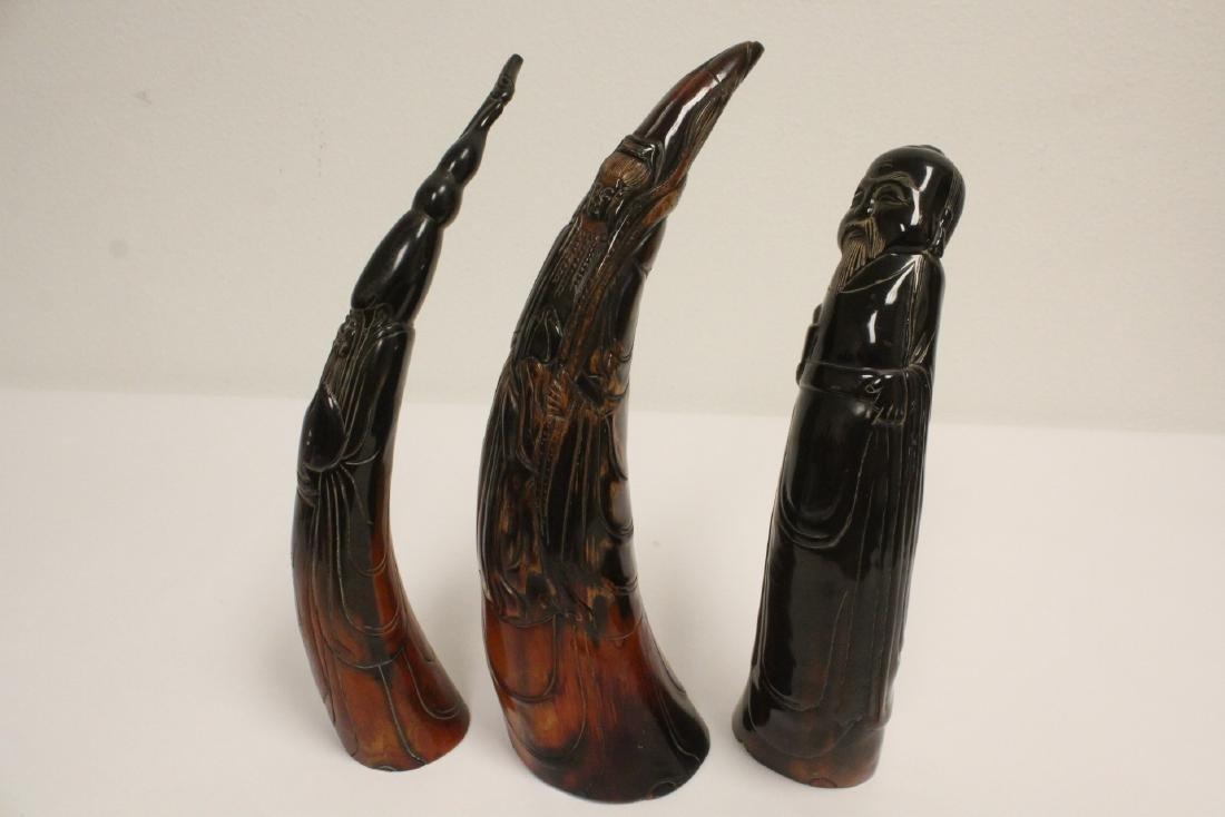 3 horn carved figures - 7