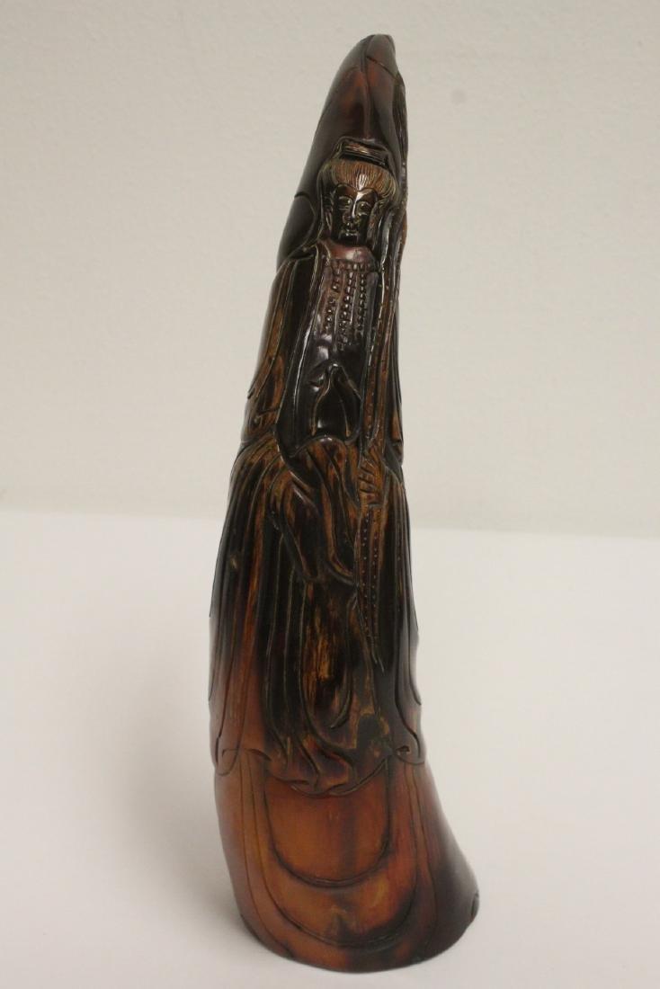 3 horn carved figures - 9