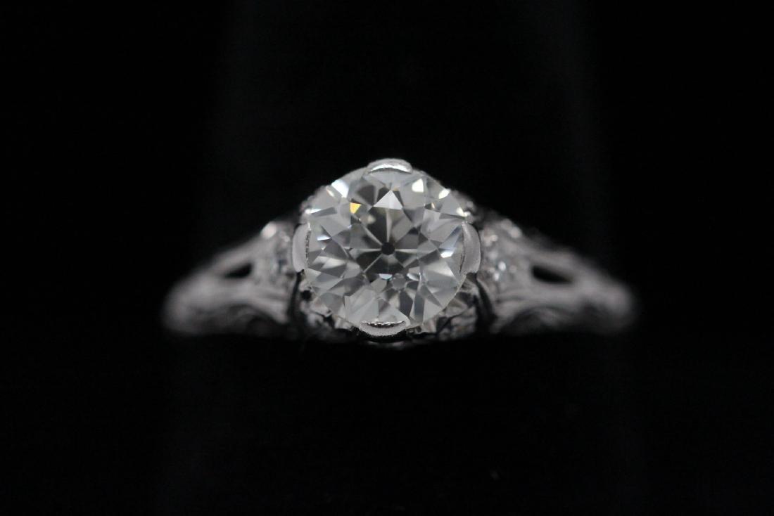 A beautiful art deco platinum diamond ring - 2