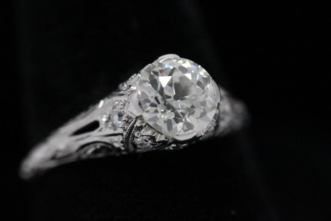 A beautiful art deco platinum diamond ring - 4