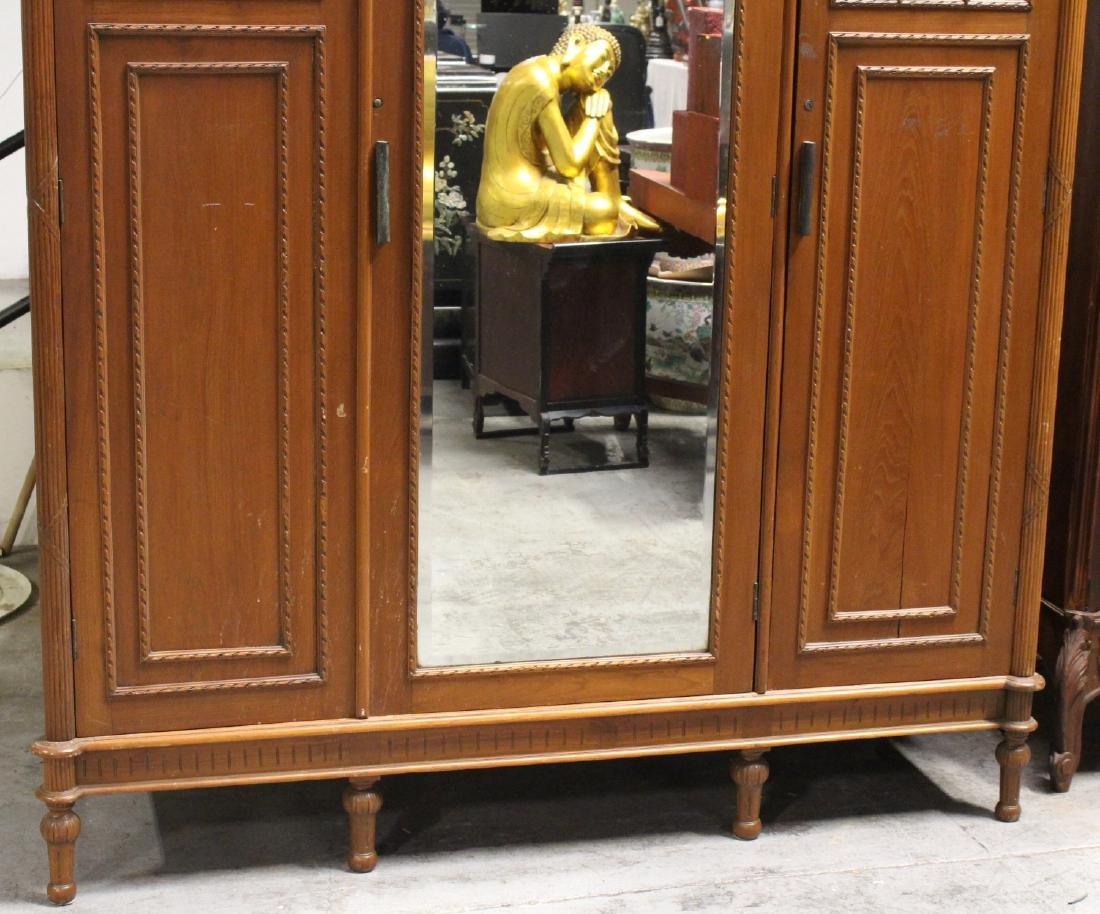 A very fancy Victorian mahogany armoire - 3