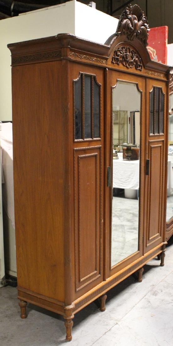 A very fancy Victorian mahogany armoire - 6
