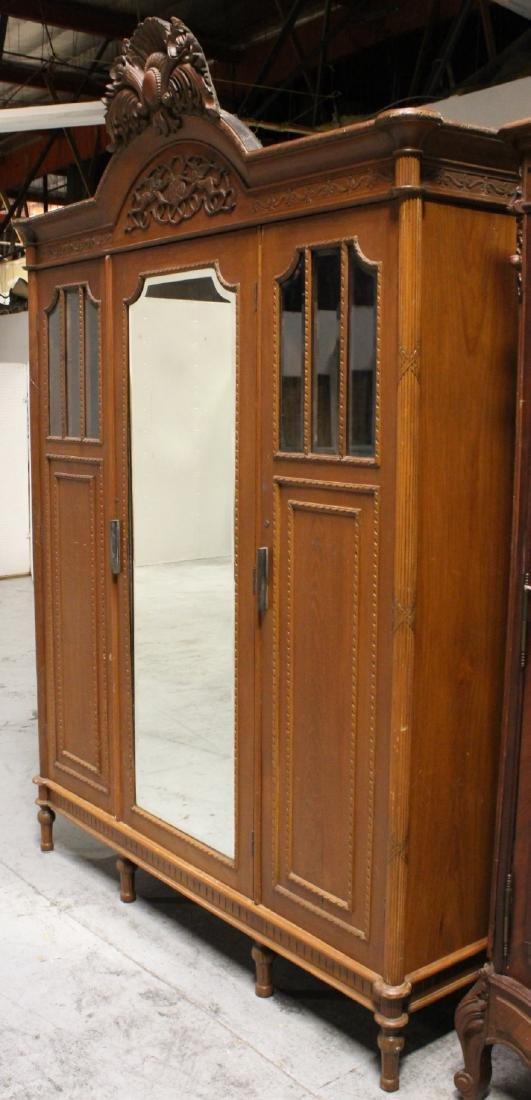 A very fancy Victorian mahogany armoire - 8