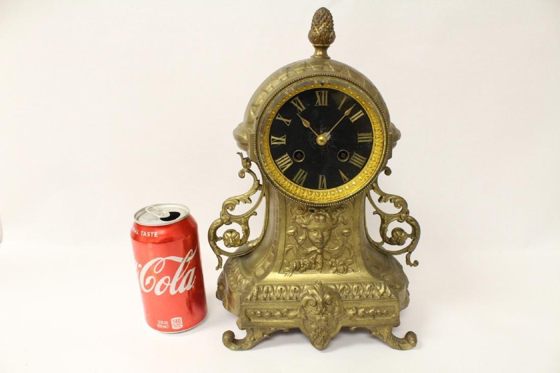 Key-wind table clock - 10