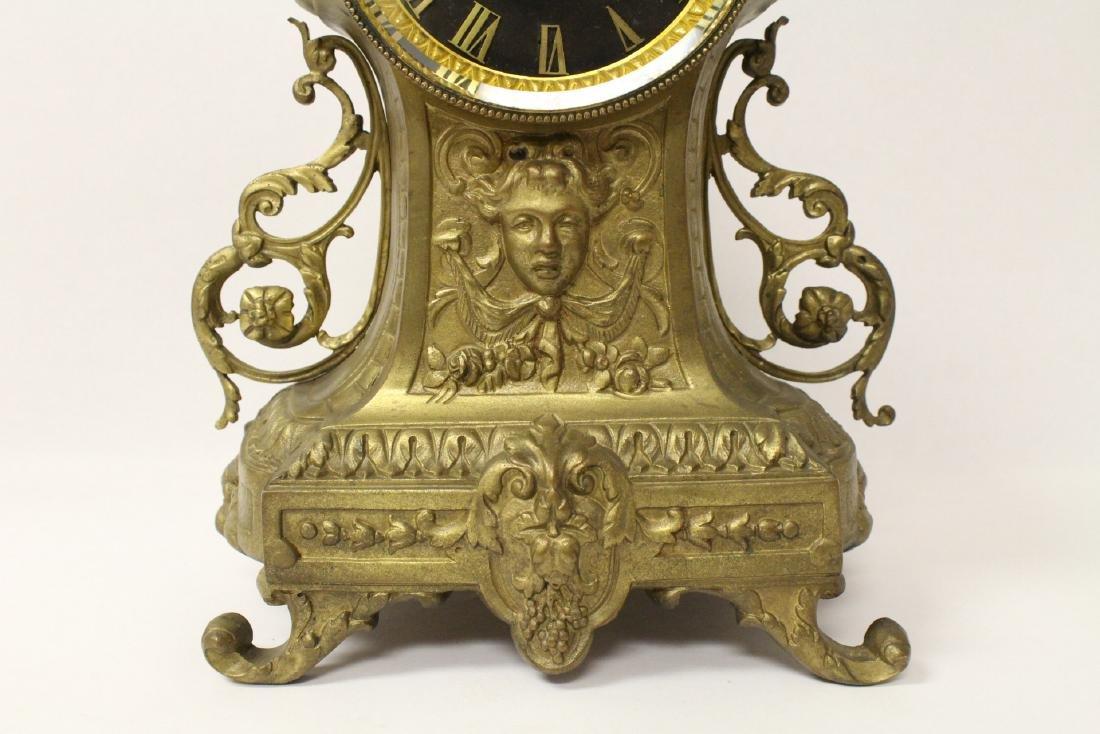 Key-wind table clock - 2