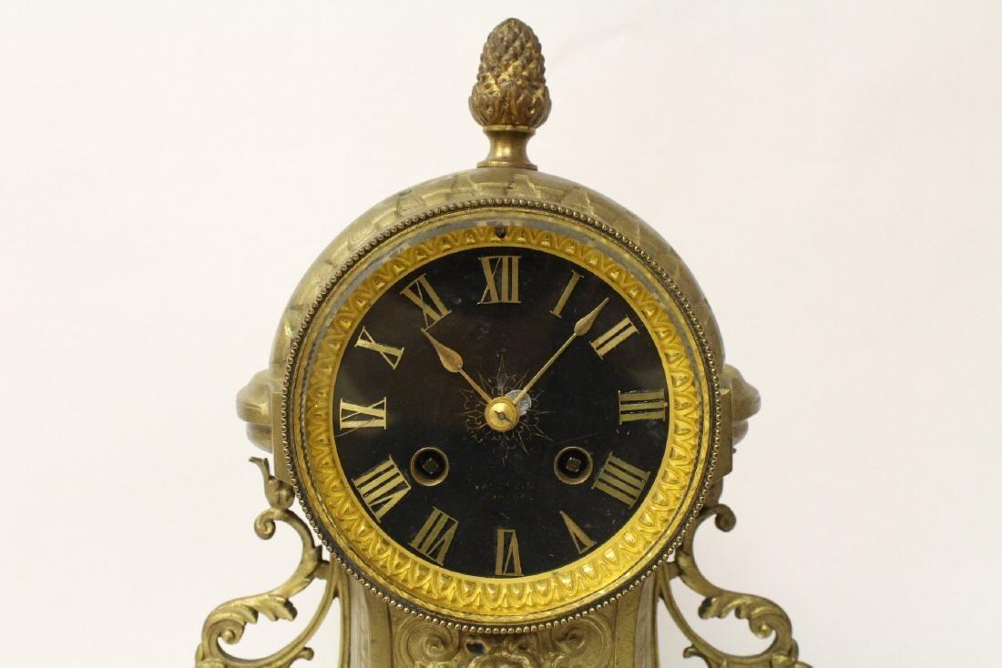 Key-wind table clock - 3