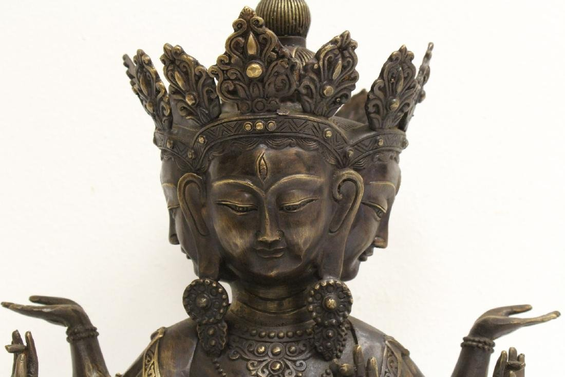 A large Chinese bronze sculpture - 4