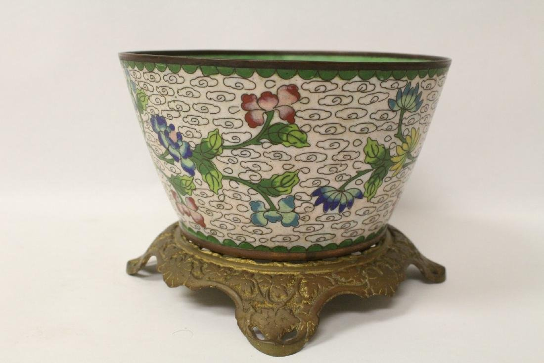A cloisonne bowl decorated with jewels - 5