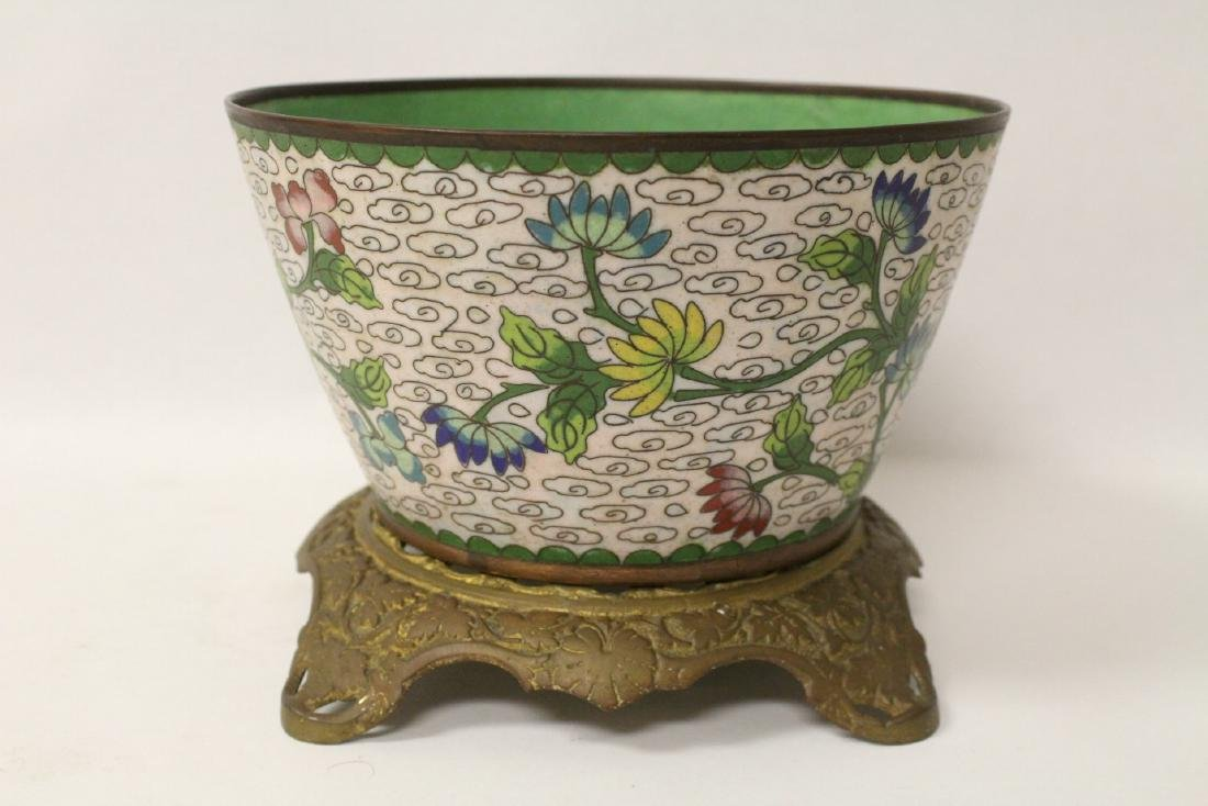 A cloisonne bowl decorated with jewels - 6