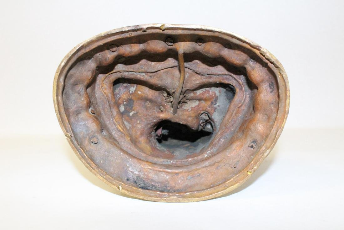 A gilt bronze sculpture of seated Buddha - 10