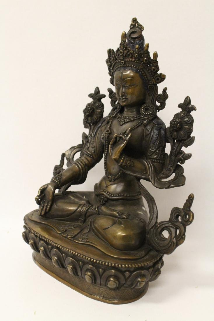 Chinese bronze sculpture of seated Buddha - 5