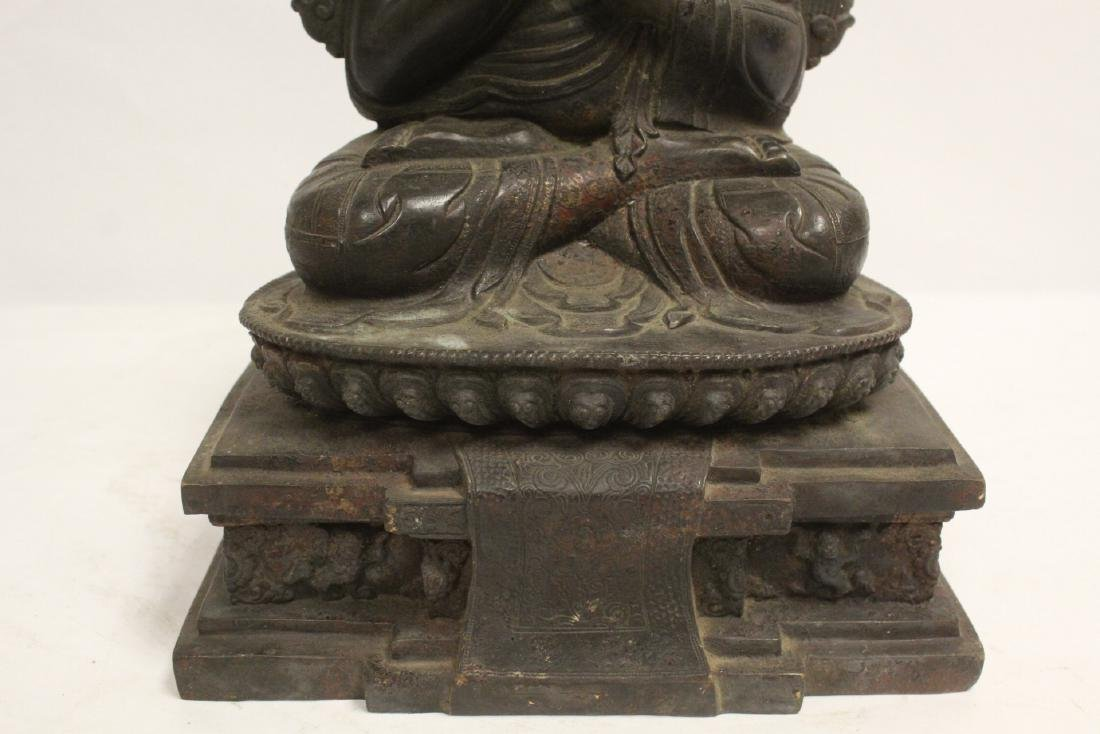 A very heavy Chinese bronze sculpture - 7