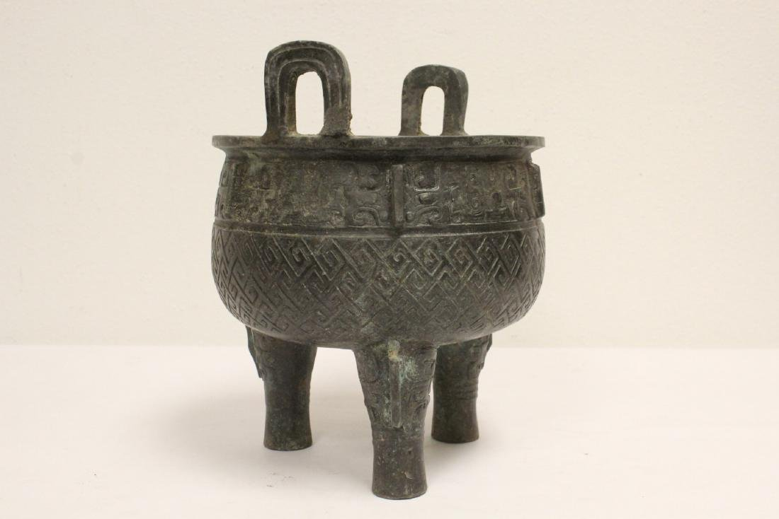 Archaic style bronze ding - 2
