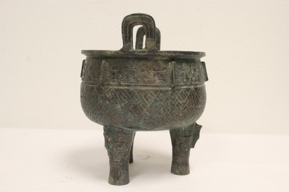 Archaic style bronze ding - 4