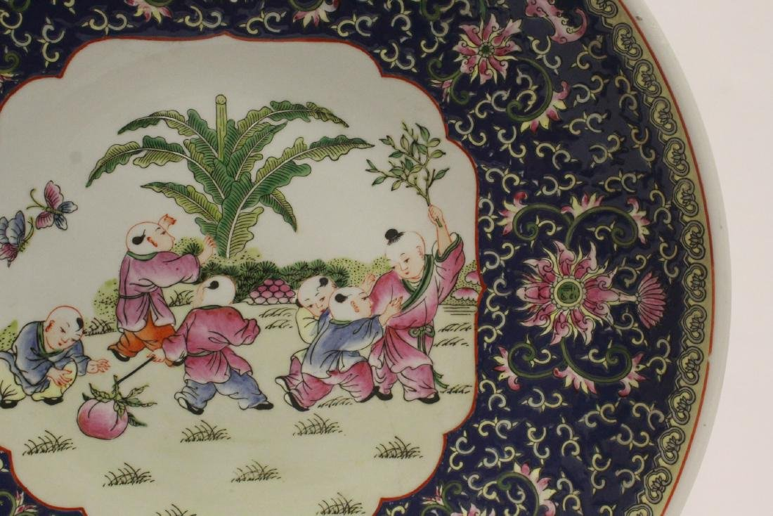 large Chinese famille rose porcelain charger - 4