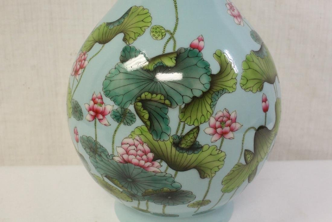 Chinese blue background famille rose porcelain vase - 7