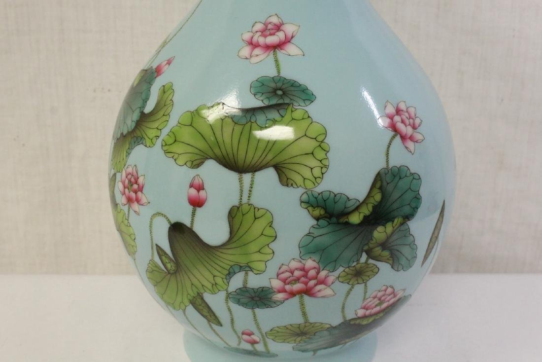Chinese blue background famille rose porcelain vase - 8