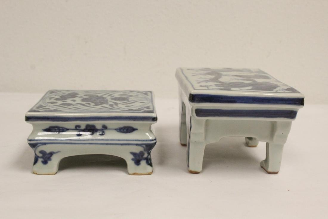 2 Chinese blue and white porcelain pedestal stands - 3