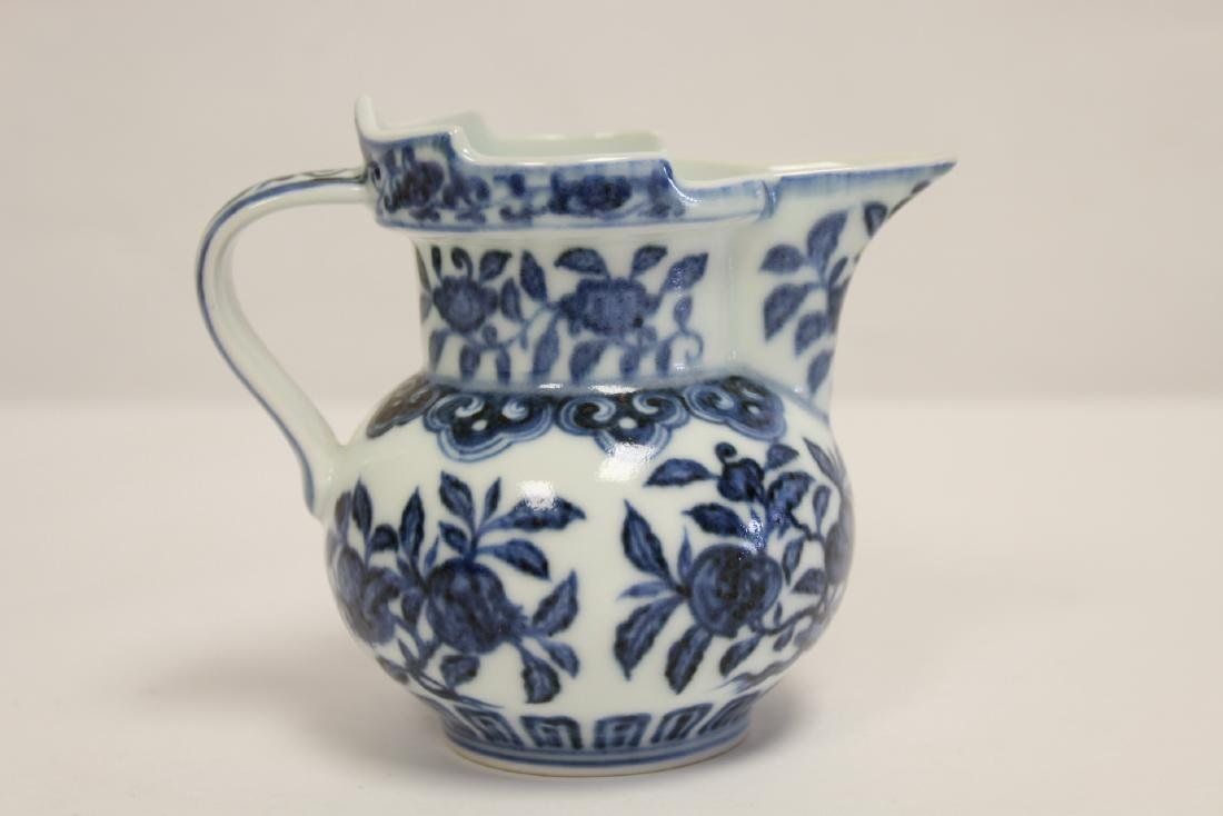 Blue and white porcelain pitcher - 3