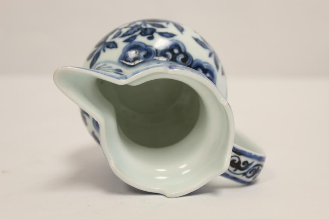 Blue and white porcelain pitcher - 5