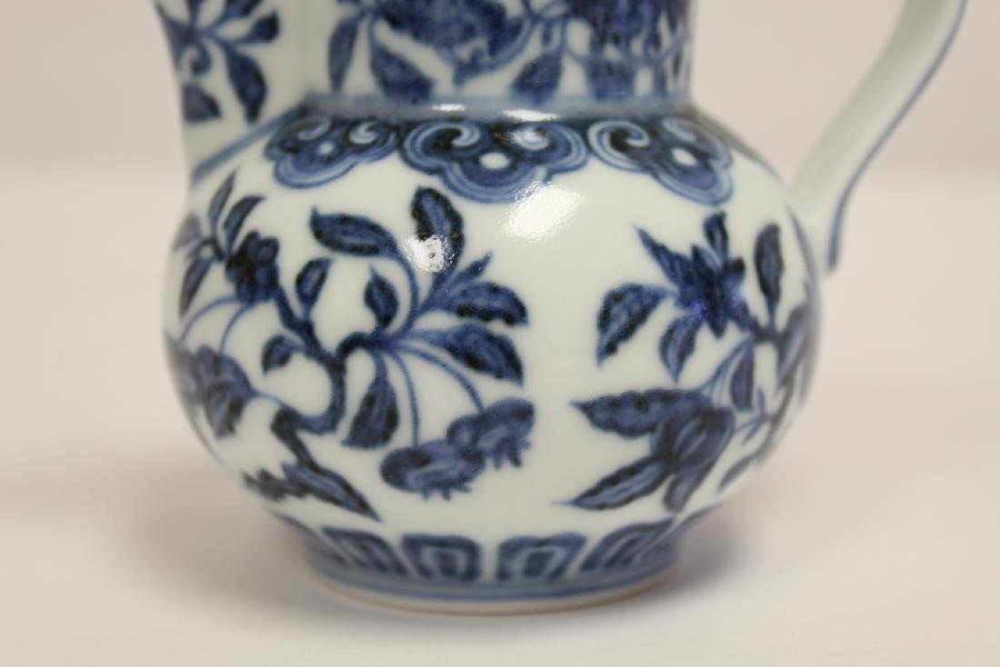 Blue and white porcelain pitcher - 7