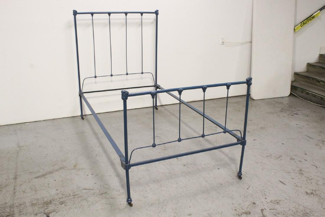 2 set of Victorian cast iron bed frames - 10