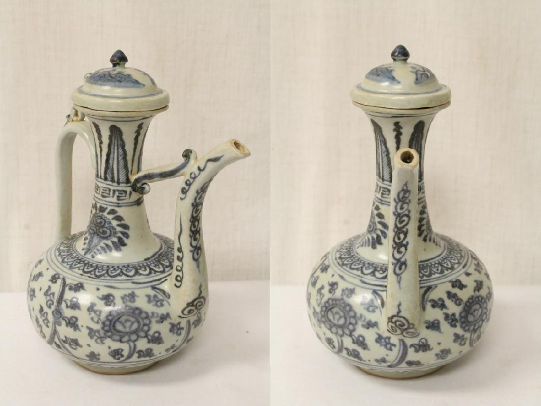Chinese blue and white porcelain wine server - 3