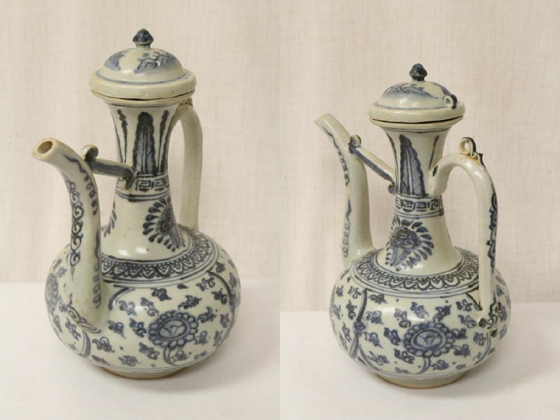 Chinese blue and white porcelain wine server - 4