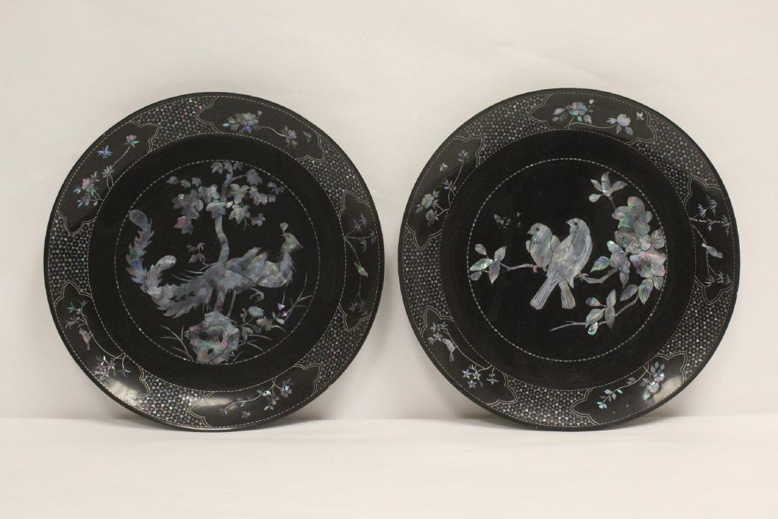 2 lacquer plates with mother of pearl inlaid