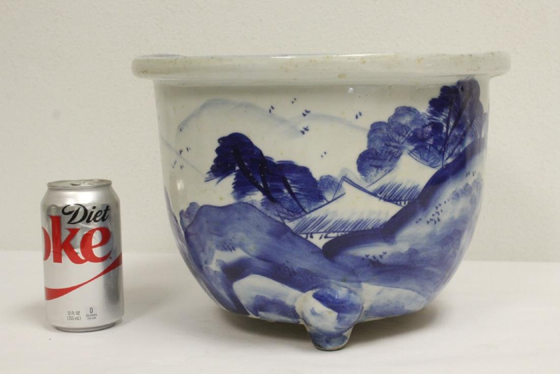 Chinese blue and white porcelain planter - 3