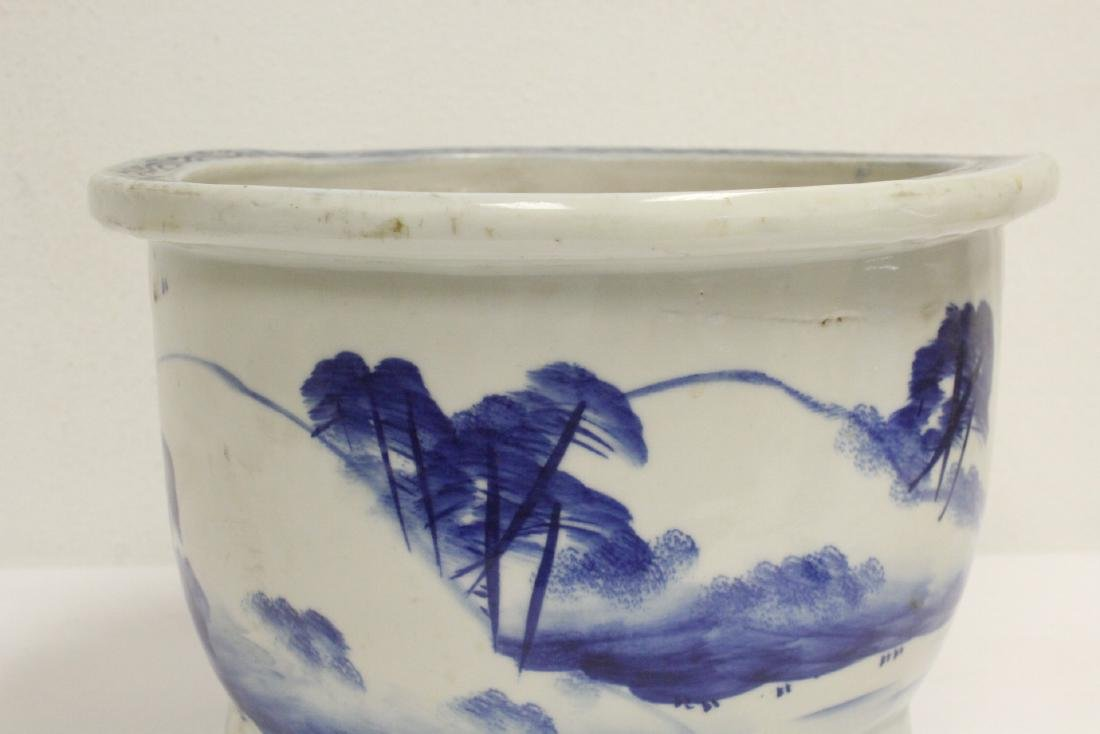 Chinese blue and white porcelain planter - 6