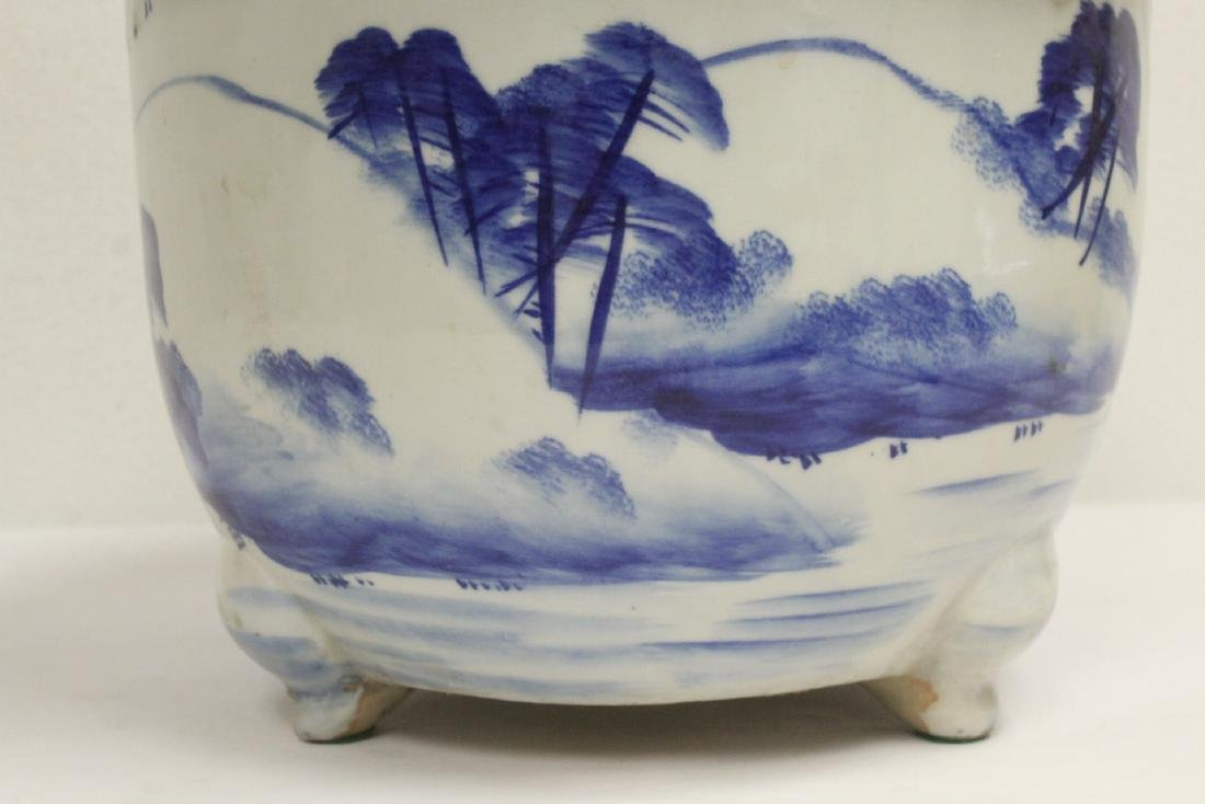 Chinese blue and white porcelain planter - 7