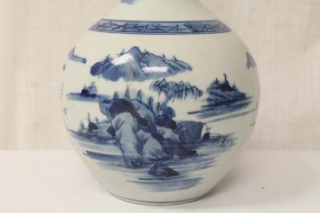 Pair blue and white porcelain bottle vases - 7