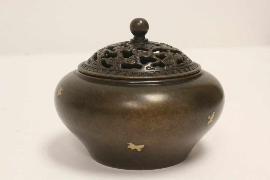 A Chinese very heavy covered censer - 4